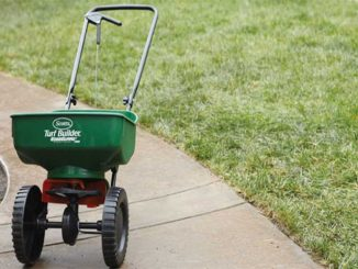 BUYING GUIDE FOR LAWN SPREADERS UNDER $100