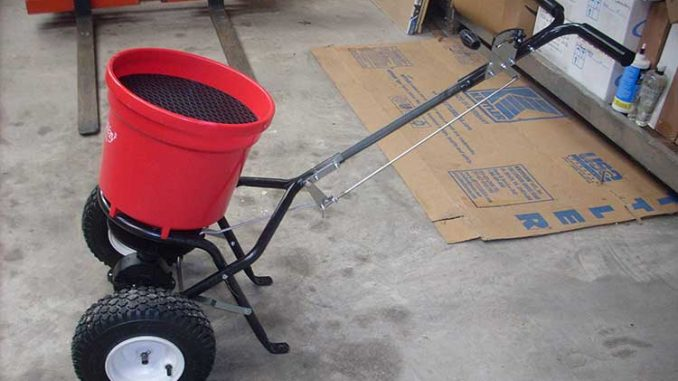 EARTHWAY 2150 COMMERCIAL WALK-BEHIND BROADCAST SPREADER REVIEW